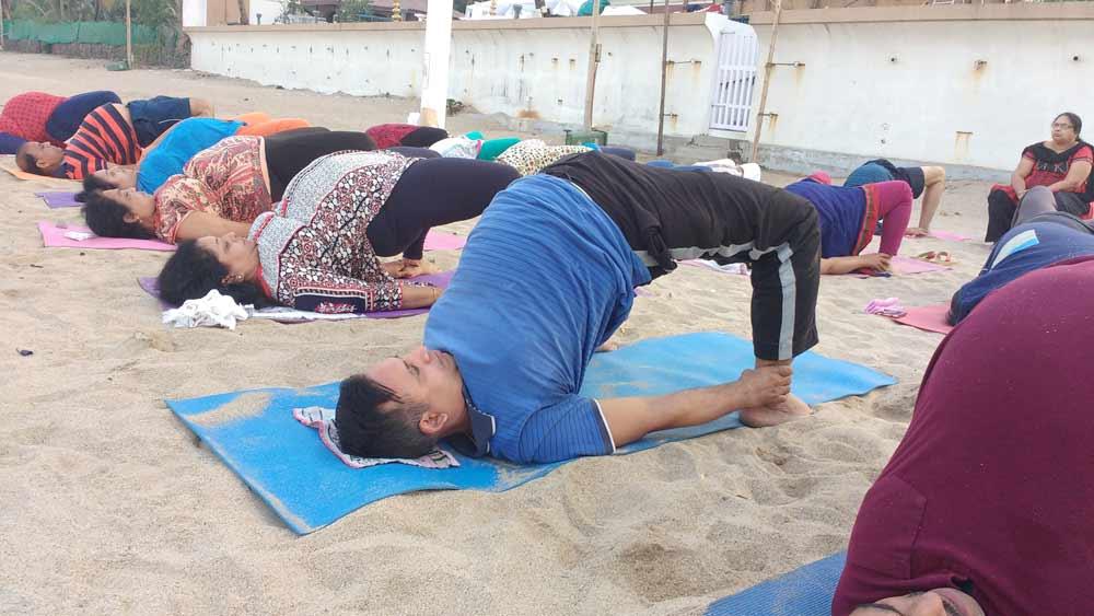 Yoga-Pose-Yogasana-Kandharasana