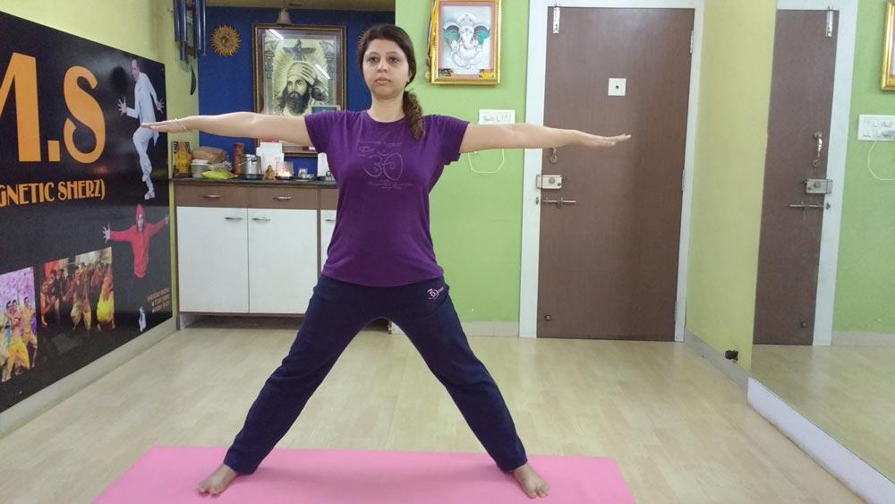 kati-chakrasana-spinal-twist-standing-asana