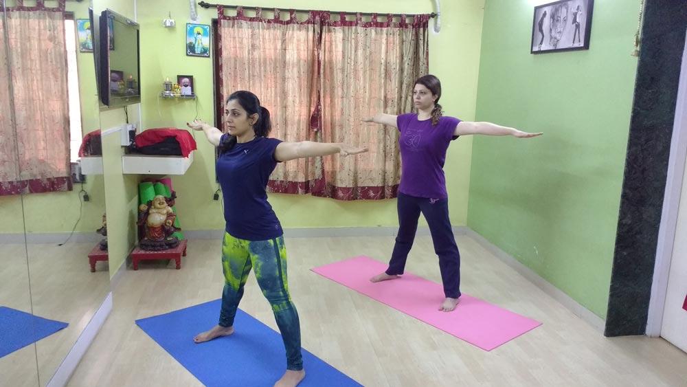 trikonasna- triangle-pose-weight-loss